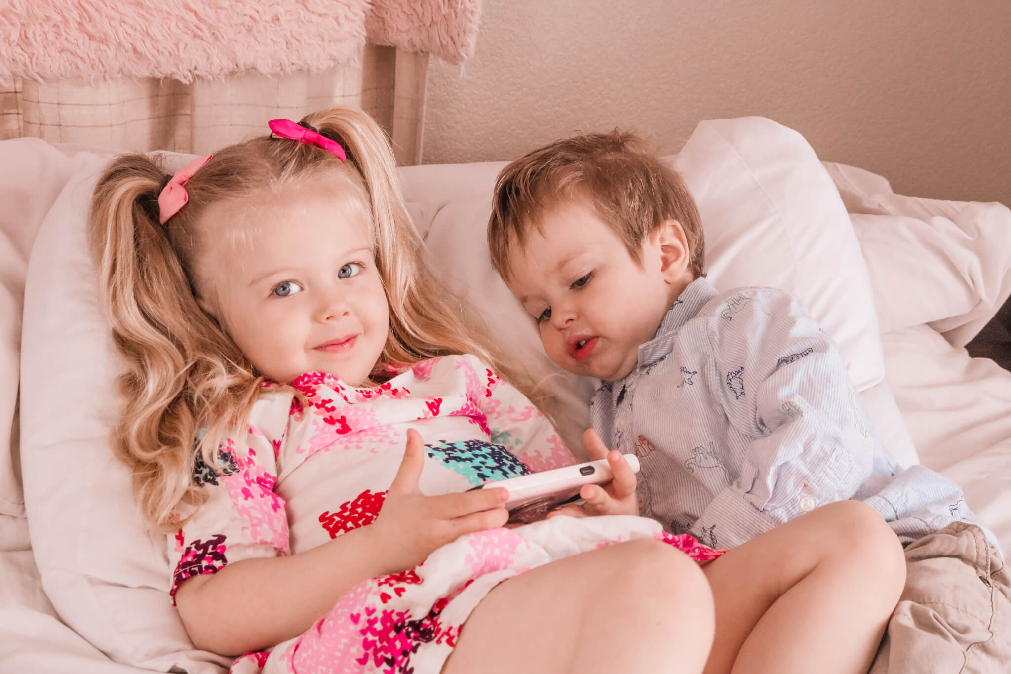 Toddlers Addicted to Smart Phone